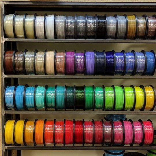 Sợi dây nhựa in 3D, mực ABS, PLA. Sợi nhựa in màu xanh, nhựa ABS đỏ, PLA tím vàng trắng