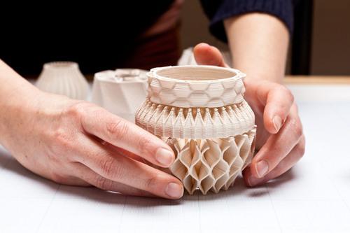 Máy in 3D đầu tiên chuyên dùng in đồ sứ