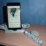 Chân đế iphone 6 kiêm loa nghe nhạc