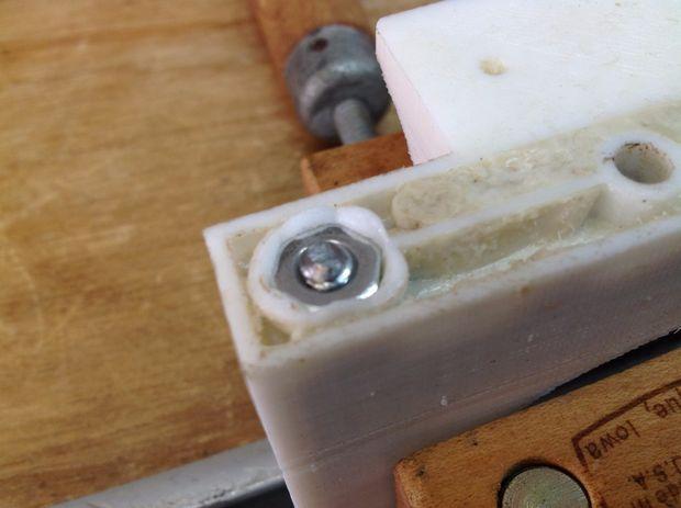 Tạo lỗ bậc bắt vít trên chi tiết in 3D, gia công mẫu in 3D, xử lý mô hình in 3D