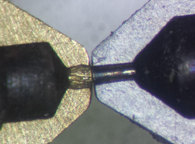 sợi nhựa in 3D Carbon sẽ mài mòn đầu phun ( Nozzle) rất nhanh