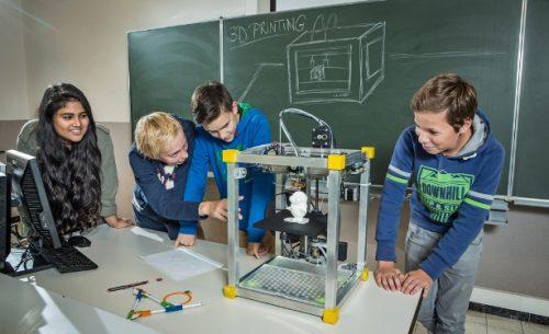 Chọn máy in 3D làm đồ chơi - đồ học tập