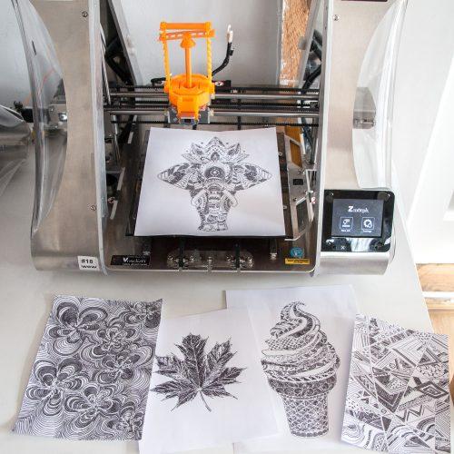 Chế máy vẽ tranh từ... máy in 3D