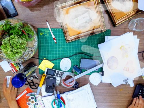 Đây là bàn làm việc của một shop thiết ké 3D, tạo mẫu 3D điển hình ở Việt Nam