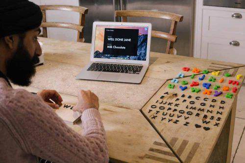 công nghệ làm khuôn giá rẻ, làm mẫu khuôn sô cô la, chocolate đúc