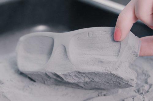 IN 3D bằng công nghệ SLS, vật liệu support chính là các khối bột sẵn có! Nguồn: https://www.sinterit.com